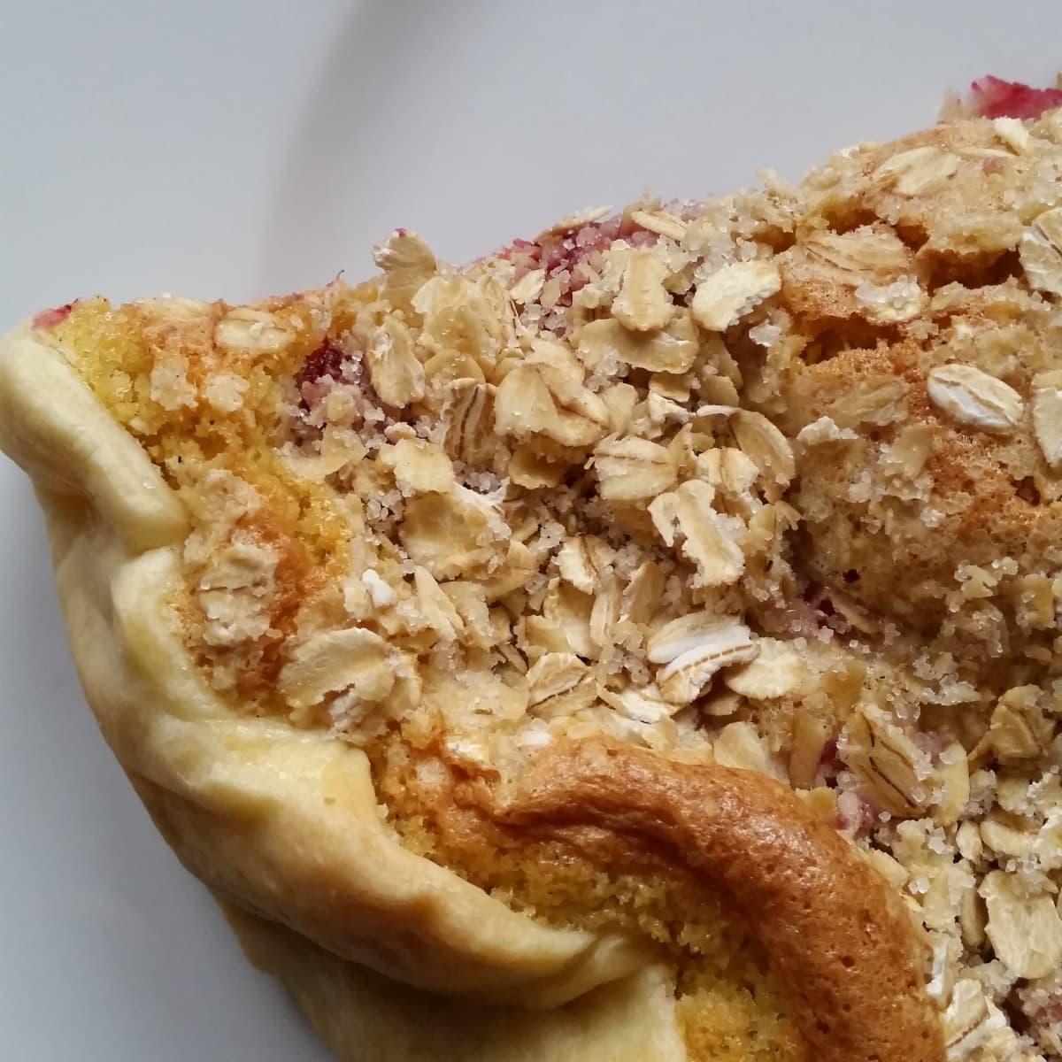 Lav en nem hindbærtærte med marcipan, brug færdig tærtedej eller lav selv din mørdej - Find opskrifter på lagkager, mad og desserter, samt inspiration til årets gang på danishthings.com