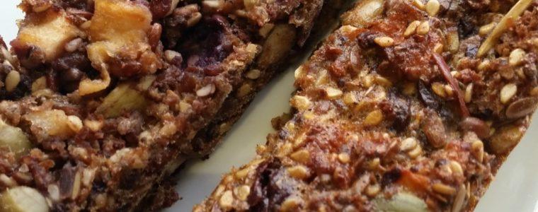 Sweet breadsticks - perfect for the lunch box - Søde brødstænger perfekte til madpakken - Danish Things © danishthings.com