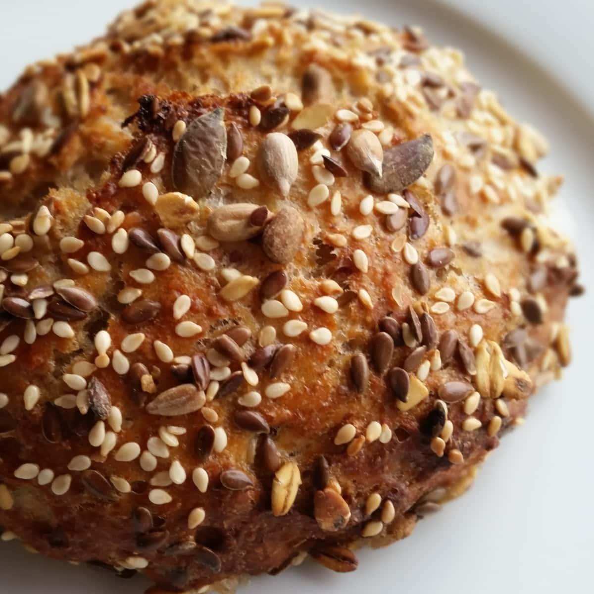 Sourdough buns/rolls -surdejsbolle - Danish Things © danishthings.com