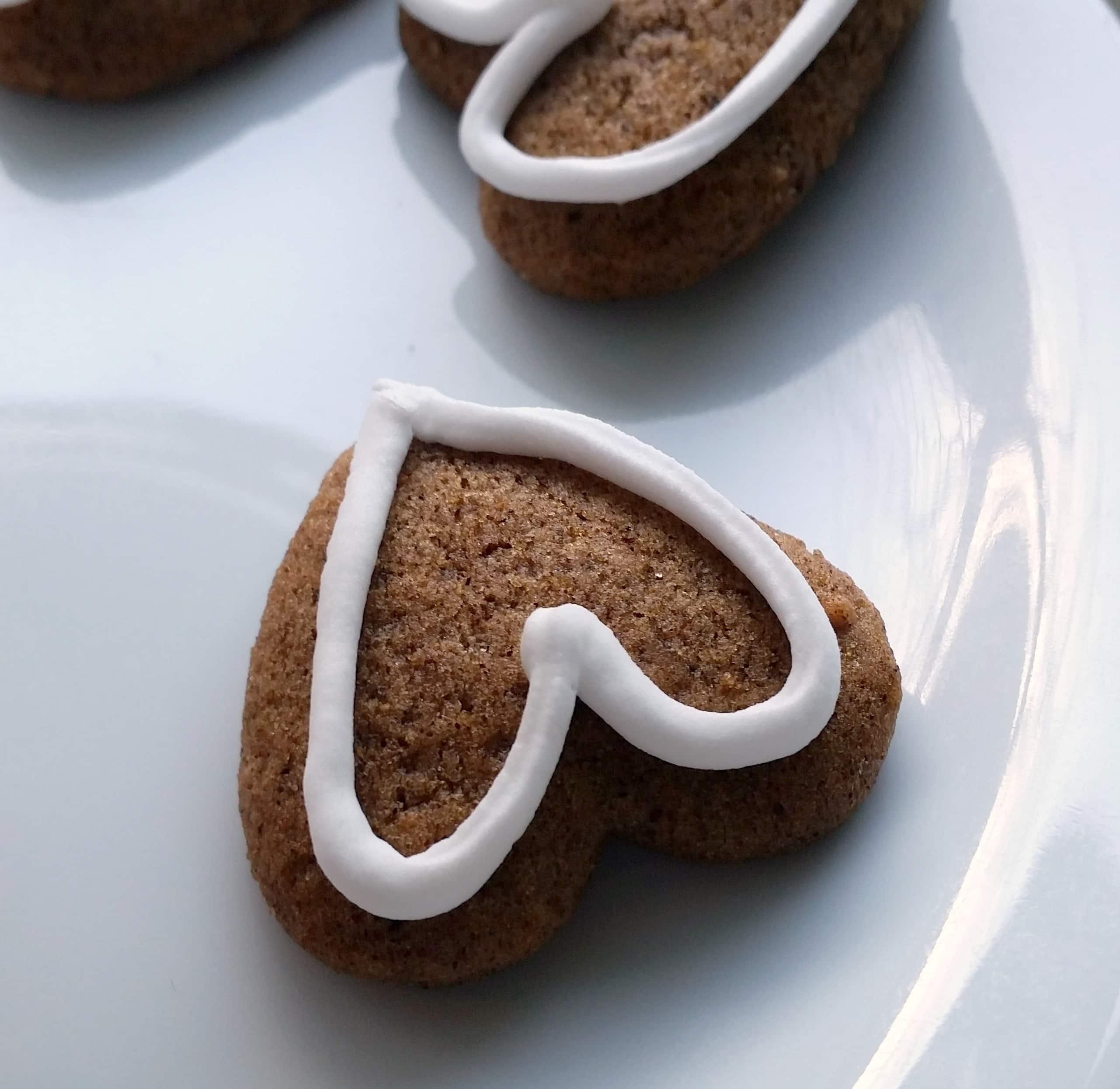 Honningkage - dansk julekage .Find inspiration til din jul, gratis print og opskrifter på danishthings.com.