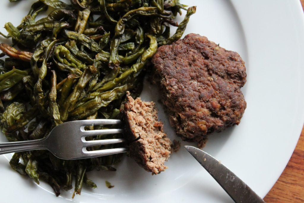 Anderledes burgerbøffer med bønnefritter @ danishthings.com