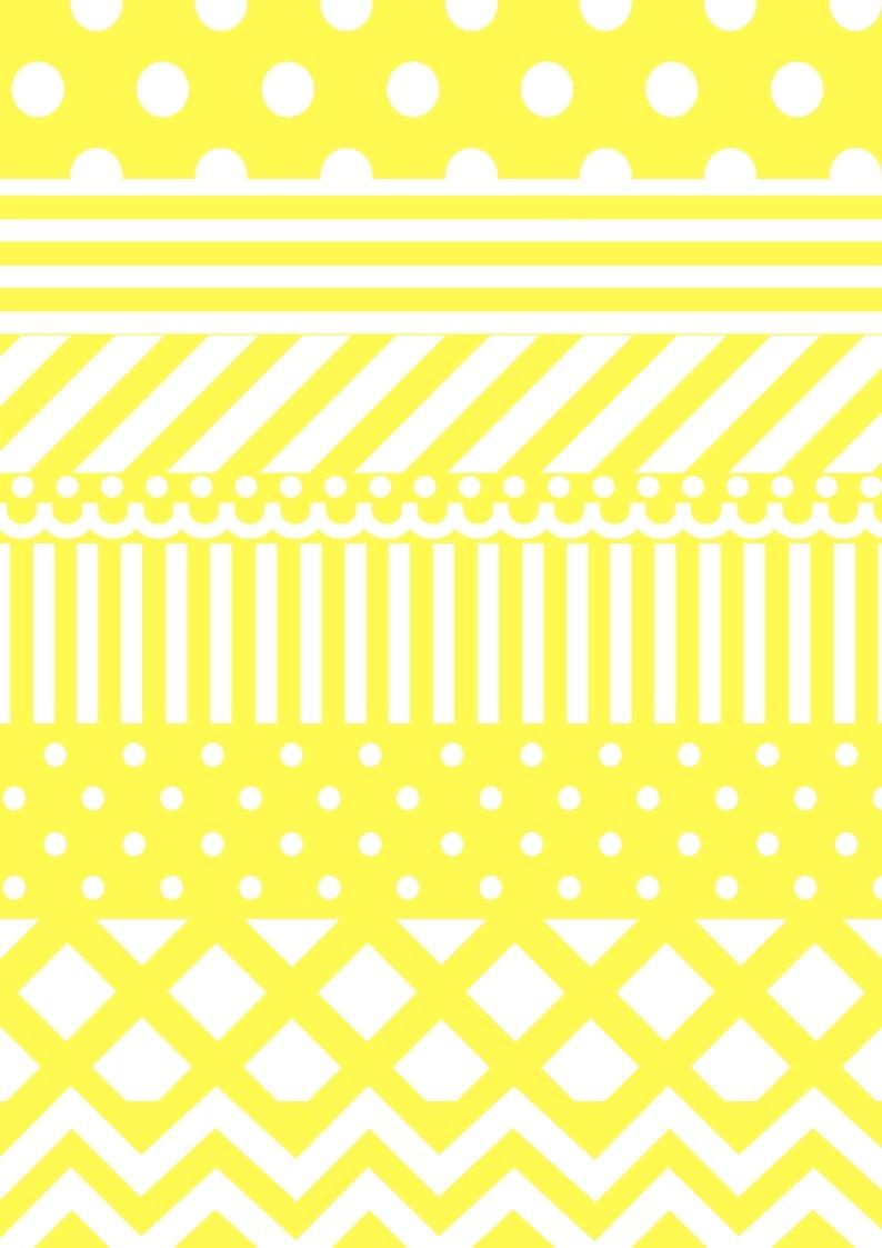 Lav selv nemme og fine påskeæg af papir, brug dem f.eks. som dekortation på foråsrgrene. Find gratis papir til print, opskrifter og inspiration til årets gang på danishthings.com.