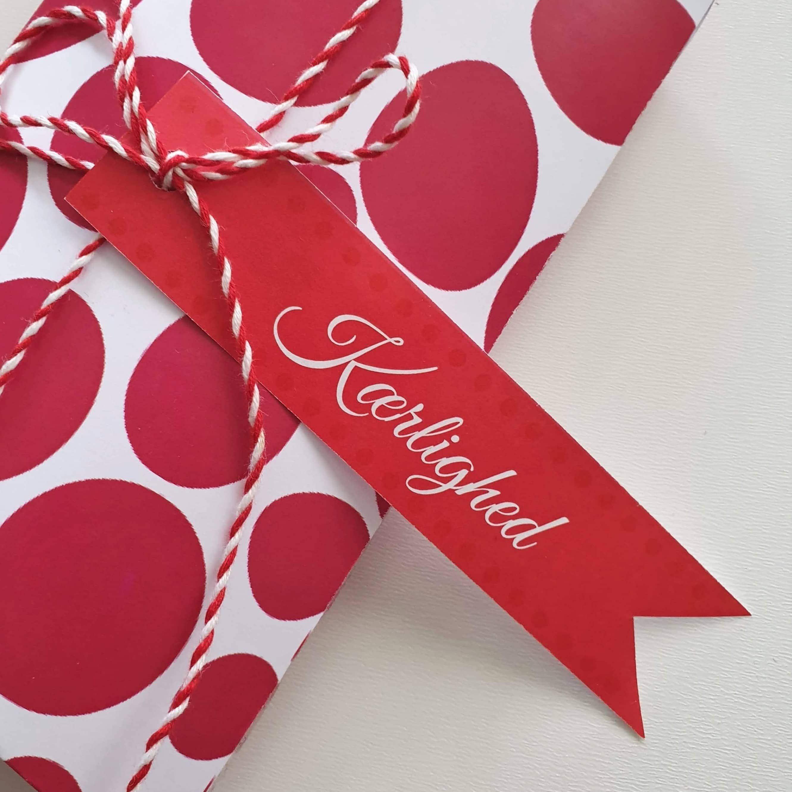 Gavemærker til de store følelser - Valentine og kærlighed, fødselsdag og fejring - find også gaveæsker og til-fra kort, der matcher – find gratis print, opskrifter og inspiration til årets gang på danishthings.com #Valentine #Kærlighed #gaver #gavemærker